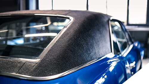 Autosattlerei Pirna: im V8 Werk gehören Vinyl Hardtops ebenfalls zum Leistungsumfang der Sattlerarbeiten.