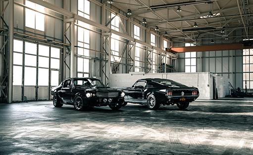 Ford Mustang oder Chevrolet Corvette als individueller Restomod? Im V8 Werk kein Problem!